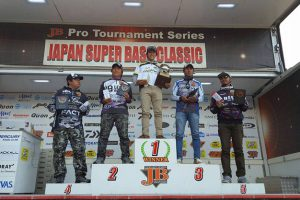 ジャパンスーパーバスクラシック 2016が閉幕・優勝は冨沢 真樹選手!これにて国内ビックタイトルトーナメントの日程は終了。